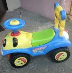 Samochodzik dziecięcy