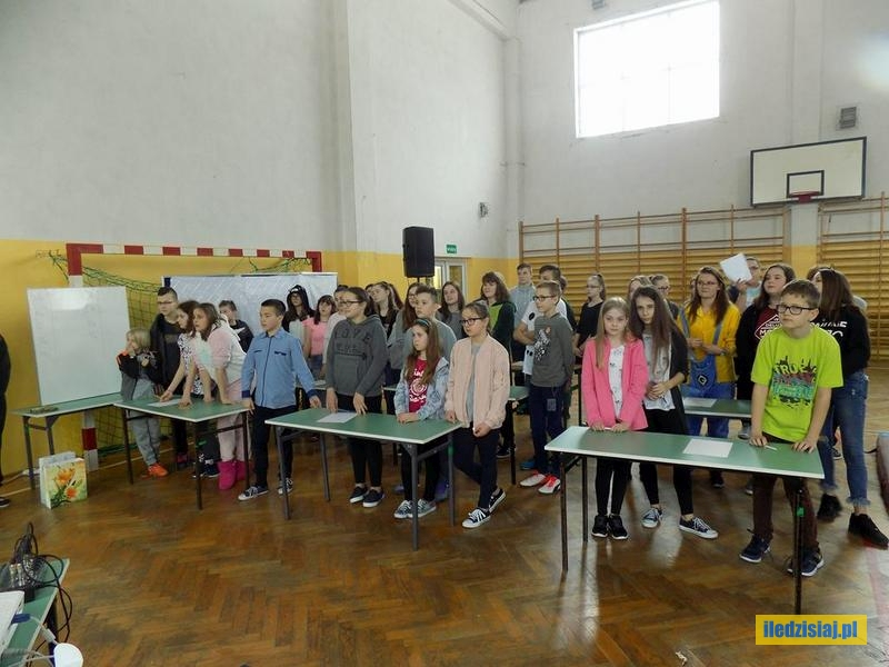 Uczniowie podczas konkursów